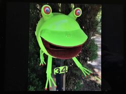 Green Tree Frog Letterbox, made by Noel