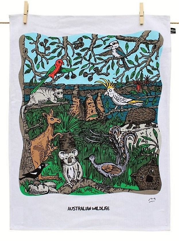 This gorgeous tea towel features a beautiful illustration of Australian flora and fauna. A