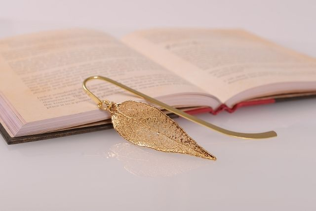 Eucalyptus Real Leaf Bookmark - Gold