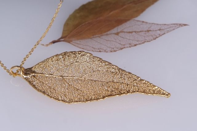 Eucalyptus Real Leaf Pendant - Gold