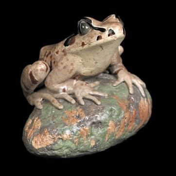 Great Barred Frog Figurine - The Land Down Under