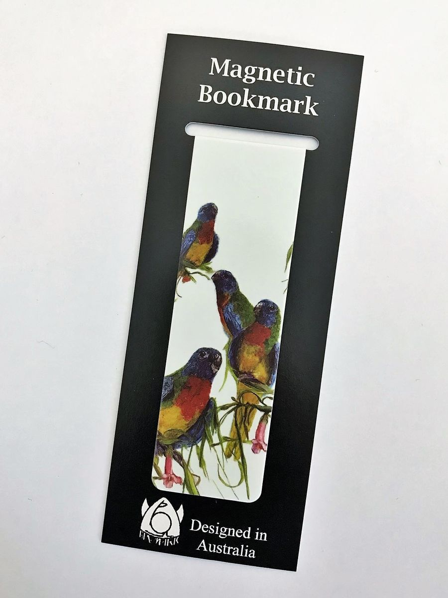 Never lose your page again with this parrot magnetic bookmark - available from The Land Do