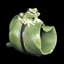 Dwarf Tree Frog Figurine