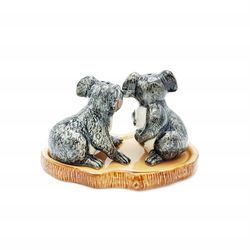 Make your dinner table a talking point with these beautiful koala salt and pepper shakers.