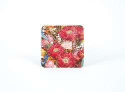 The vibrant beauty of the Australian wildflowers can adorn your table with these gorgeous